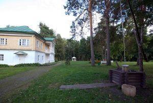 Господский дом в селе Львовке (наше время)
