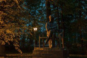 Большое Болдино. Вечернее фото памятника А.С.Пушкину